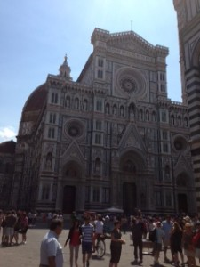 Front of El Duomo with Dome in background.