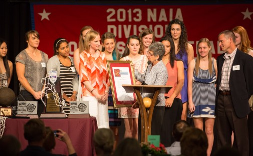 Senator Hannah-Beth Jackson honors the Westmont women's basketball team with a California senate resolution April 13