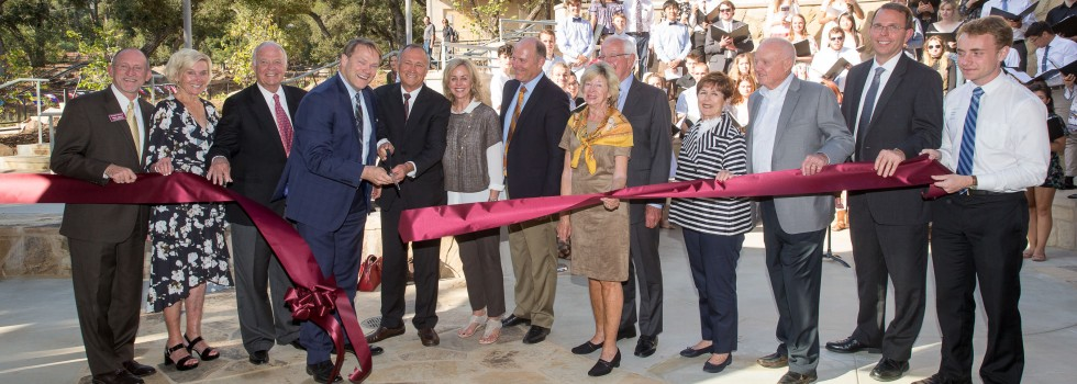 President Beebe and Board of Trustee Chair Peter Thorrington cut the ribbon
