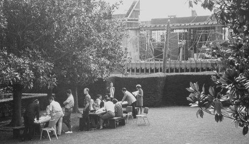 Westmont students gather on Magnolia Lawn as construction continues on the library (photo courtesy Westmont Archives)