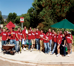 Students, staff and faculty at San Jose Creek for Day of Caring